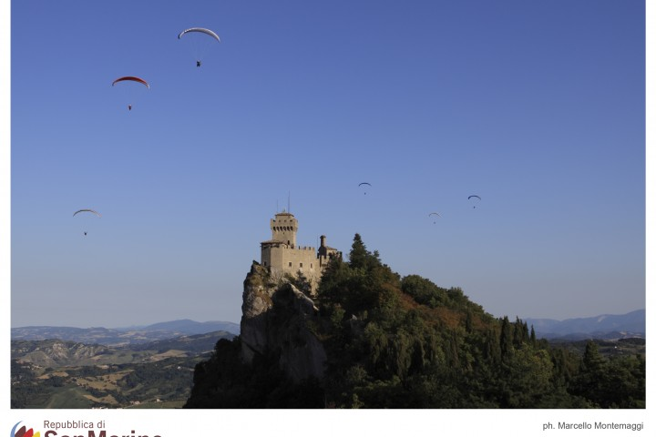 """Republic of San Marino<br /><a href=""""http://static.riviera.rimini.it/tl_files/gallerie/orig/18_volo-sul-monte.jpg.zip"""" target=""""_blank"""" class=""""photo-download"""">Download high resolution image</a>"""