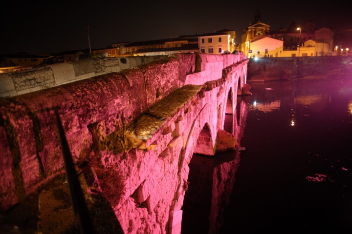 "The pink night - La Notte Rosa, Tiberius bridge, Rimini<br /><a href=""http://static.riviera.rimini.it/tl_files/gallerie/orig/3z4j5005.jpg.zip"" target=""_blank"" class=""photo-download"">Download high resolution image</a>"