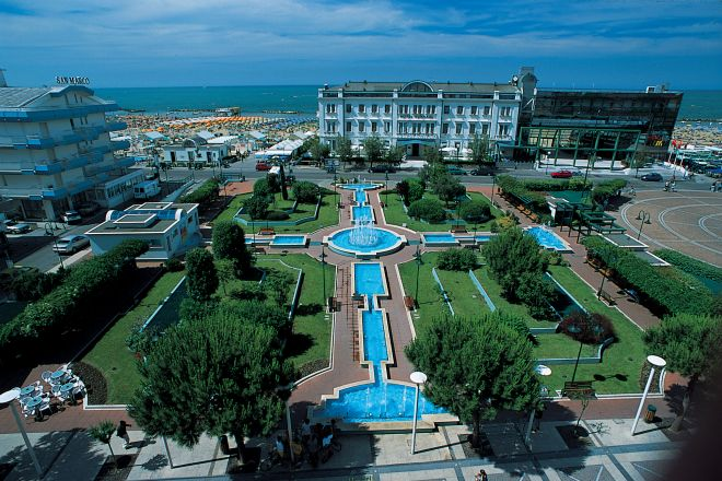 "Piazza Primo Maggio, Cattolica<br /><a href=""http://static.riviera.rimini.it/tl_files/gallerie/orig/cattolica.jpg.zip"" target=""_blank"" class=""photo-download"">Download high resolution image</a>"