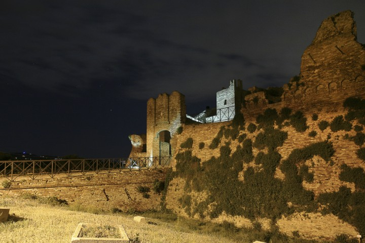 """Ancient city walls and gate, Coriano<br /><a href=""""http://static.riviera.rimini.it/tl_files/gallerie/orig/coriano-04.jpg.zip"""" target=""""_blank"""" class=""""photo-download"""">Download high resolution image</a>"""