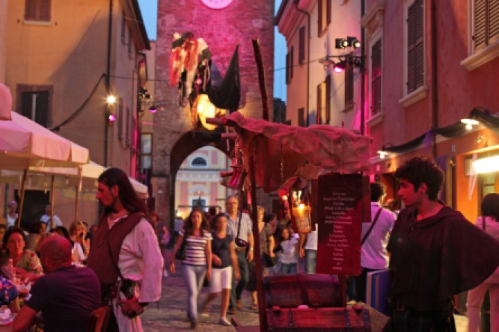 "Witches'night, San Giovanni in Marignano<br /><a href=""http://static.riviera.rimini.it/tl_files/gallerie/orig/img_0844asgiovanni.jpg.zip"" target=""_blank"" class=""photo-download"">Download high resolution image</a>"