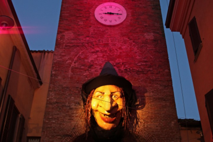 "Witches'night, San Giovanni in Marignano<br /><a href=""http://static.riviera.rimini.it/tl_files/gallerie/orig/img_0854asgiovanni.jpg.zip"" target=""_blank"" class=""photo-download"">Download high resolution image</a>"