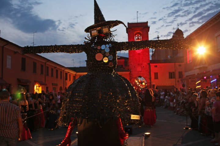 "Witches'night, San Giovanni in Marignano<br /><a href=""http://static.riviera.rimini.it/tl_files/gallerie/orig/img_0861asgiovanni.jpg.zip"" target=""_blank"" class=""photo-download"">Download high resolution image</a>"