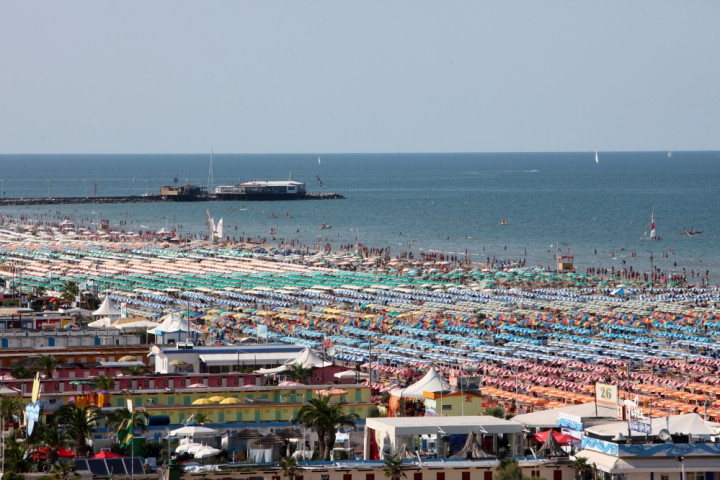 "<br /><a href=""http://static.riviera.rimini.it/tl_files/gallerie/orig/img_1359a-1.jpg.zip"" target=""_blank"" class=""photo-download"">descarga en alta resolución</a>"