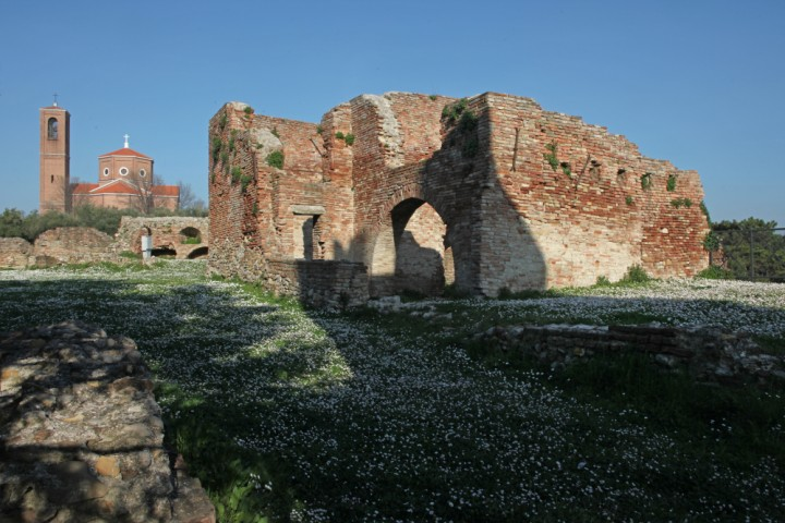 "Ancient city walls, Coriano<br /><a href=""http://static.riviera.rimini.it/tl_files/gallerie/orig/img_2012acoriano_castello.jpg.zip"" target=""_blank"" class=""photo-download"">Download high resolution image</a>"