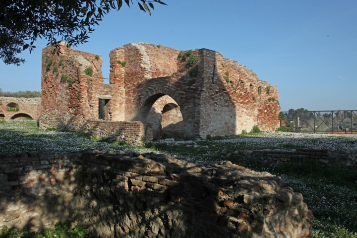 """Remains of the town walls, Coriano<br /><a href=""""http://static.riviera.rimini.it/tl_files/gallerie/orig/img_2026acoriano_castello.jpg.zip"""" target=""""_blank"""" class=""""photo-download"""">Download high resolution image</a>"""