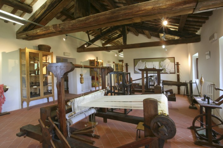 "Sant'Agata Feltria, museum of rural crafts<br /><a href=""http://static.riviera.rimini.it/tl_files/gallerie/orig/img_2849-museo-arti-rurali.jpg.zip"" target=""_blank"" class=""photo-download"">Download high resolution image</a>"