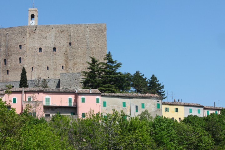 "Malatesta Fortress, Montefiore Conca<br /><a href=""http://static.riviera.rimini.it/tl_files/gallerie/orig/img_3703amontefiore.jpg.zip"" target=""_blank"" class=""photo-download"">Download high resolution image</a>"