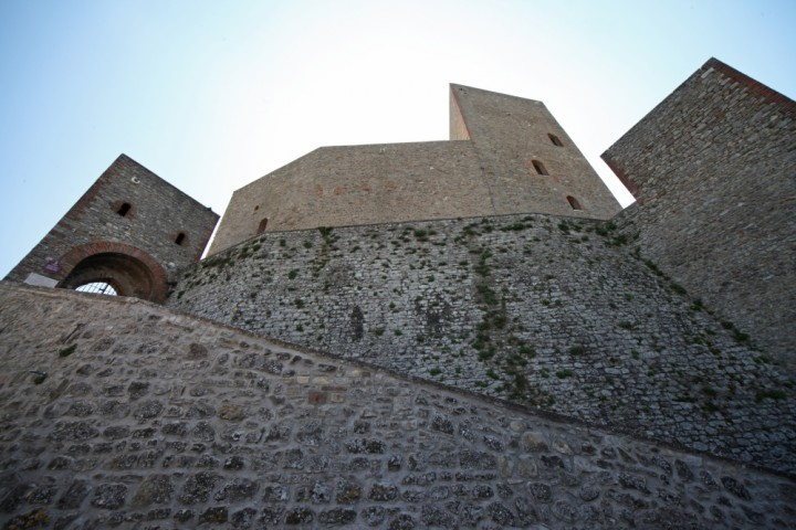 "Malatesta Fortress, Montefiore Conca<br /><a href=""http://static.riviera.rimini.it/tl_files/gallerie/orig/img_3783amontefiore.jpg.zip"" target=""_blank"" class=""photo-download"">Download high resolution image</a>"
