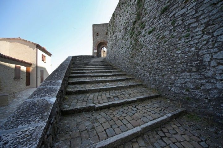 "Malatesta Fortress, Montefiore Conca<br /><a href=""http://static.riviera.rimini.it/tl_files/gallerie/orig/img_3786amontefiore.jpg.zip"" target=""_blank"" class=""photo-download"">Download high resolution image</a>"