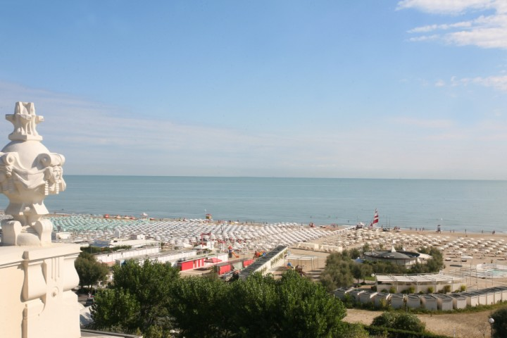 """view over the beach from Grand Hotel, Rimini<br /><a href=""""http://static.riviera.rimini.it/tl_files/gallerie/orig/img_6215a.jpg.zip"""" target=""""_blank"""" class=""""photo-download"""">Download high resolution image</a>"""
