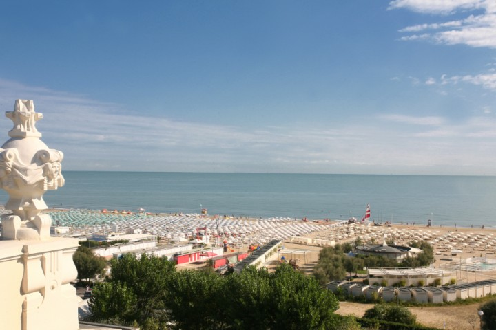 """view over the beach from Grand Hotel, Rimini<br /><a href=""""http://static.riviera.rimini.it/tl_files/gallerie/orig/img_6215ab.jpg.zip"""" target=""""_blank"""" class=""""photo-download"""">Download high resolution image</a>"""