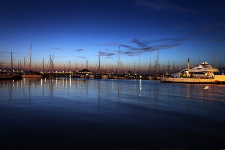 """the Marina at night, Rimini<br /><a href=""""http://static.riviera.rimini.it/tl_files/gallerie/orig/img_8633a.jpg.zip"""" target=""""_blank"""" class=""""photo-download"""">Download high resolution image</a>"""