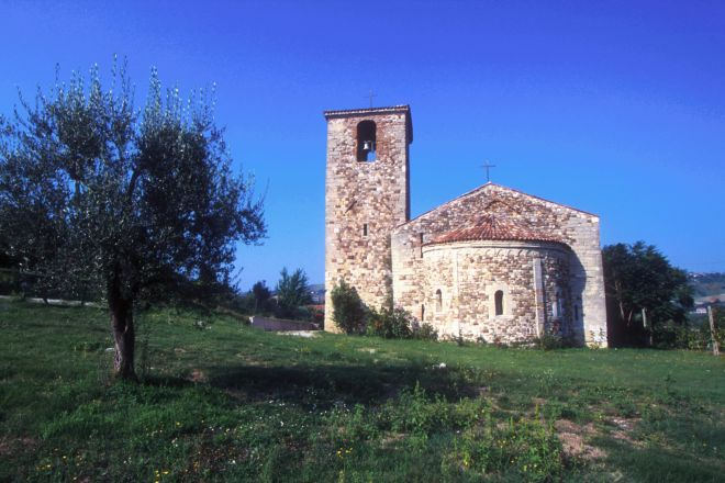 "Romanesque church, Verucchio<br /><a href=""http://static.riviera.rimini.it/tl_files/gallerie/orig/la-pieve2.tif.jpg.zip"" target=""_blank"" class=""photo-download"">Download high resolution image</a>"