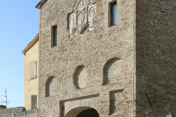 "Curina gate, Montefiore Conca<br /><a href=""http://static.riviera.rimini.it/tl_files/gallerie/orig/montefiore-porta-curina.jpg.zip"" target=""_blank"" class=""photo-download"">Download high resolution image</a>"