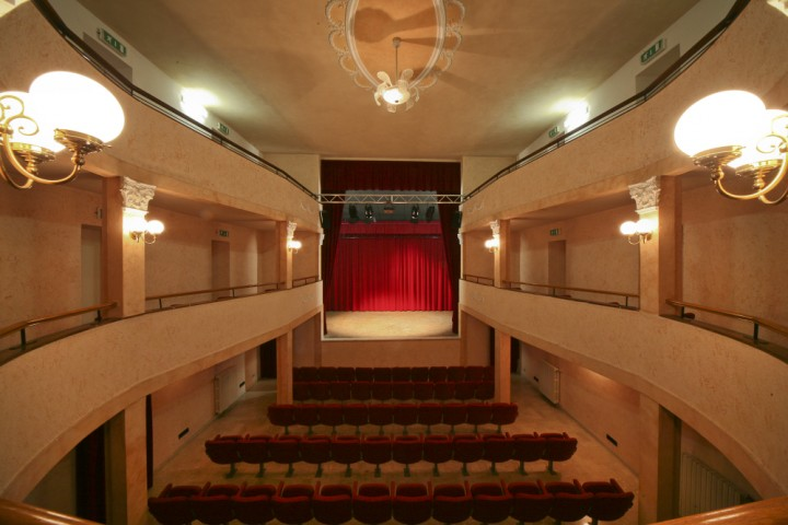 "Municipal theatre, Montescudo<br /><a href=""http://static.riviera.rimini.it/tl_files/gallerie/orig/montescudo-teatro-02.jpg.zip"" target=""_blank"" class=""photo-download"">Download high resolution image</a>"