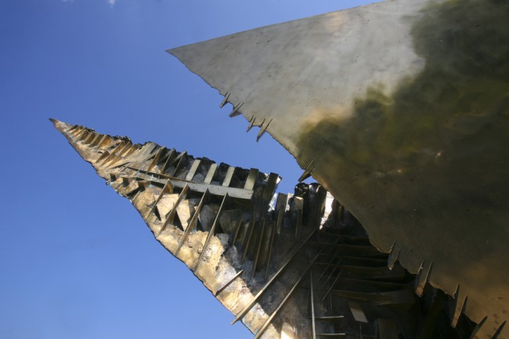 """Wing Beat"" by Arnaldo Pomodoro, Morciano di Romagna<br /><a href=""http://static.riviera.rimini.it/tl_files/gallerie/orig/morciano-05.jpg.zip"" target=""_blank"" class=""photo-download"">Download high resolution image</a>"