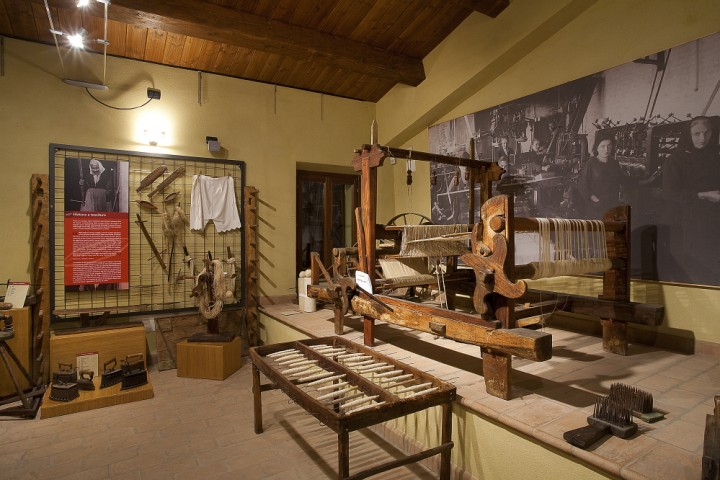 "Ethnographical Museum, Montescudo - Valliano<br /><a href=""http://static.riviera.rimini.it/tl_files/gallerie/orig/museo-etnografico-di-valliano-03.jpg.zip"" target=""_blank"" class=""photo-download"">Download high resolution image</a>"