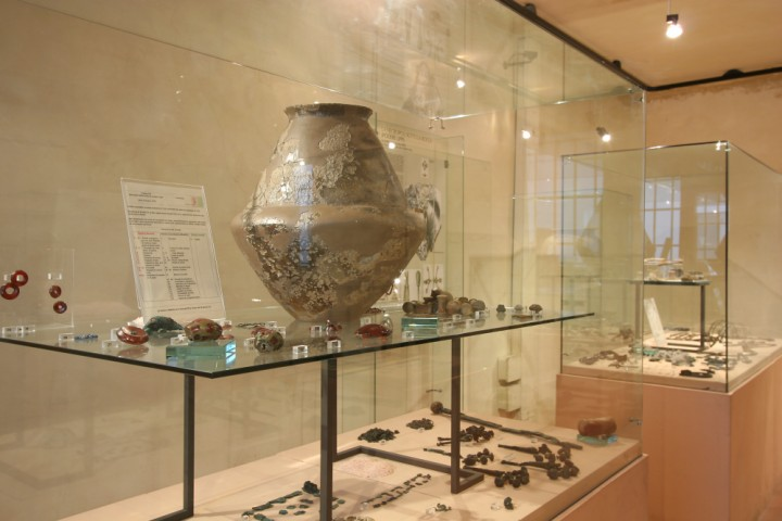 "Villanovian Municipal Archaeological Museum, Verucchio<br /><a href=""http://static.riviera.rimini.it/tl_files/gallerie/orig/museo-villanoviano-verucchio21.jpg.zip"" target=""_blank"" class=""photo-download"">Download high resolution image</a>"