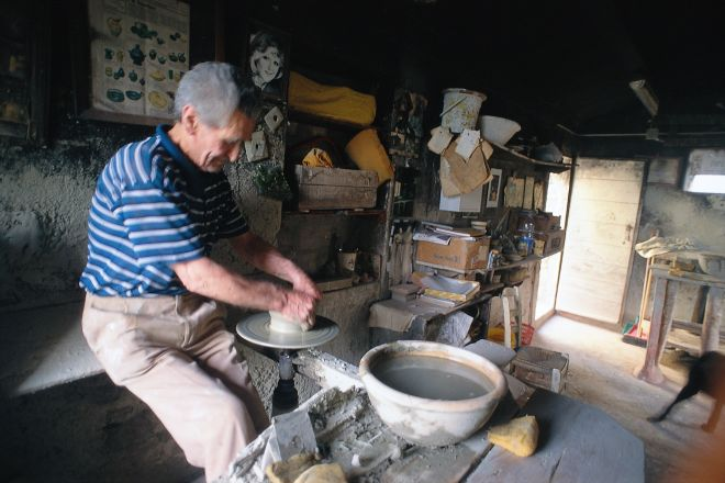 "clay processing, Montefiore Conca<br /><a href=""http://static.riviera.rimini.it/tl_files/gallerie/orig/negozio1.tif.jpg.zip"" target=""_blank"" class=""photo-download"">Download high resolution image</a>"