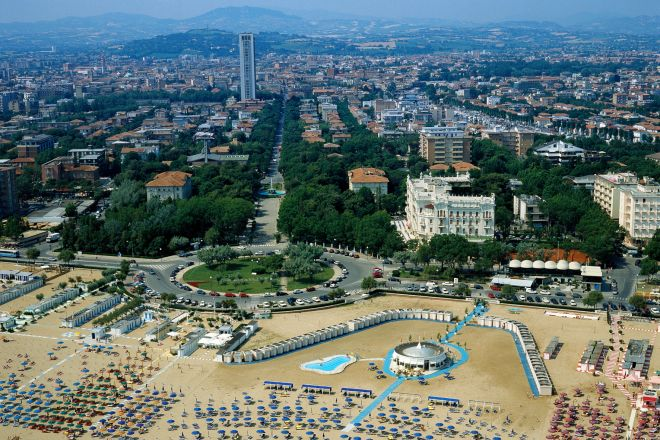 "aerial view, Rimini<br /><a href=""http://static.riviera.rimini.it/tl_files/gallerie/orig/panoramica-aerea.tif.jpg.zip"" target=""_blank"" class=""photo-download"">Download high resolution image</a>"