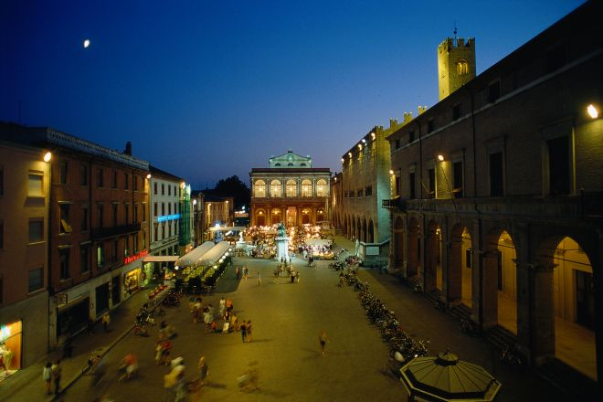 """Piazza Cavour, Rimini<br /><a href=""""http://static.riviera.rimini.it/tl_files/gallerie/orig/piazza-cavour4.tif.jpg.zip"""" target=""""_blank"""" class=""""photo-download"""">Download high resolution image</a>"""