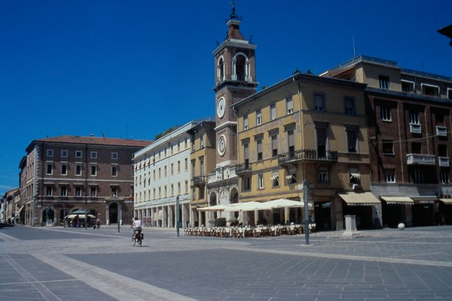 "Piazza Tre Martiri<br /><a href=""http://static.riviera.rimini.it/tl_files/gallerie/orig/piazza-tre-martiri1.tif.jpg.zip"" target=""_blank"" class=""photo-download"">descarga en alta resolución</a>"