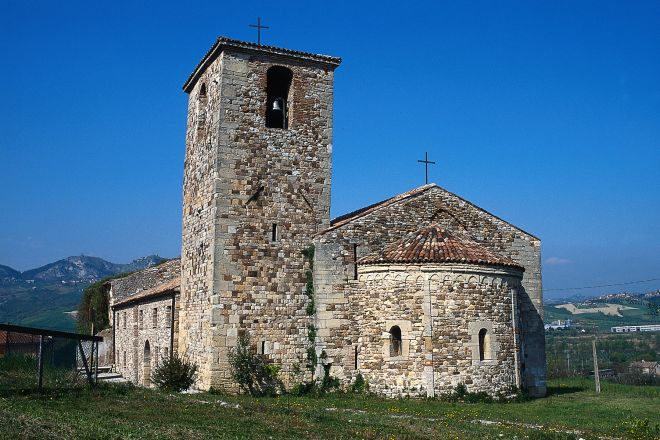 "Pieve romanica<br /><a href=""http://static.riviera.rimini.it/tl_files/gallerie/orig/pieve-romanica.tif.jpg.zip"" target=""_blank"" class=""photo-download"">descarga en alta resolución</a>"