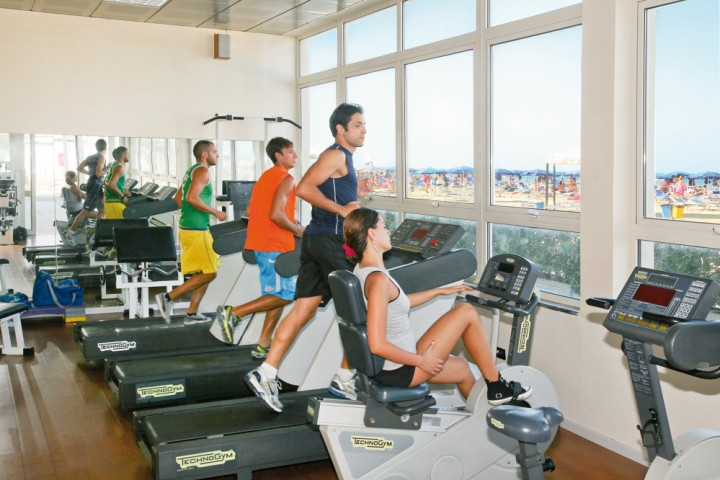 "Gym, Riminiterme<br /><a href=""http://static.riviera.rimini.it/tl_files/gallerie/orig/riminiterme-palestra-fitness-vista-mare.jpg.zip"" target=""_blank"" class=""photo-download"">Download high resolution image</a>"