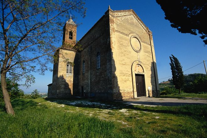"""Church of San Simeone, Montefiore Conca<br /><a href=""""http://static.riviera.rimini.it/tl_files/gallerie/orig/san-simeone.tif.jpg.zip"""" target=""""_blank"""" class=""""photo-download"""">Download high resolution image</a>"""