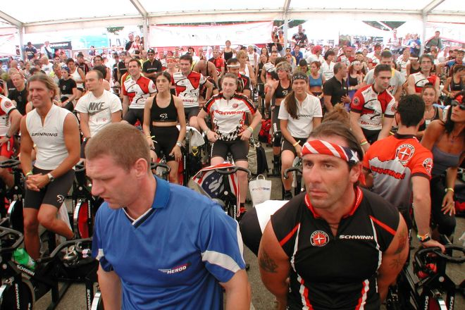 """Spinning, Rimini<br /><a href=""""http://static.riviera.rimini.it/tl_files/gallerie/orig/spinning.jpg.zip"""" target=""""_blank"""" class=""""photo-download"""">Scarica in alta risoluzione</a>"""