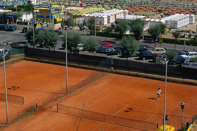 """tennis courts, Rimini<br /><a href=""""http://static.riviera.rimini.it/tl_files/gallerie/orig/tennis.tif.jpg.zip"""" target=""""_blank"""" class=""""photo-download"""">Download high resolution image</a>"""