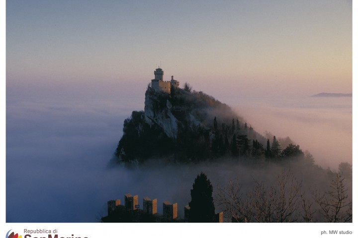 "Republic of San Marino<br /><a href=""https://static.riviera.rimini.it/tl_files/gallerie/orig/13_mare-di-nebbia-seconda-torre.jpg.zip"" target=""_blank"" class=""photo-download"">Download high resolution image</a>"