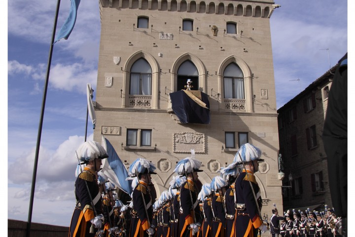 "Republic of San Marino<br /><a href=""https://static.riviera.rimini.it/tl_files/gallerie/orig/29_guardia-del-consiglio-e-banda-militare.jpg.zip"" target=""_blank"" class=""photo-download"">Download high resolution image</a>"