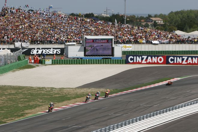 "Moto GP 2007, Misano Adriatico<br /><a href=""https://static.riviera.rimini.it/tl_files/gallerie/orig/_mg_0205_3101200894418.jpg.zip"" target=""_blank"" class=""photo-download"">Download high resolution image</a>"