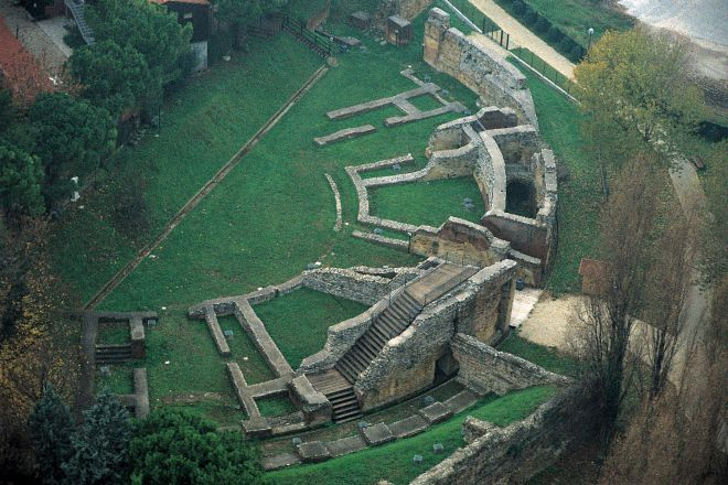 "Roman amphitheatre - ruins, Rimini<br /><a href=""https://static.riviera.rimini.it/tl_files/gallerie/orig/anfiteatro.jpg.zip"" target=""_blank"" class=""photo-download"">Download high resolution image</a>"