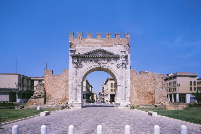 """Arch of Augustus, Rimini<br /><a href=""""https://static.riviera.rimini.it/tl_files/gallerie/orig/arco-augusto3_2901200894452.jpg.zip"""" target=""""_blank"""" class=""""photo-download"""">Download high resolution image</a>"""