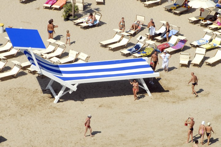 "Back to the beach, Rimini<br /><a href=""https://static.riviera.rimini.it/tl_files/gallerie/orig/back-to-the-beach-vista-aerea-02.jpg.zip"" target=""_blank"" class=""photo-download"">Download high resolution image</a>"