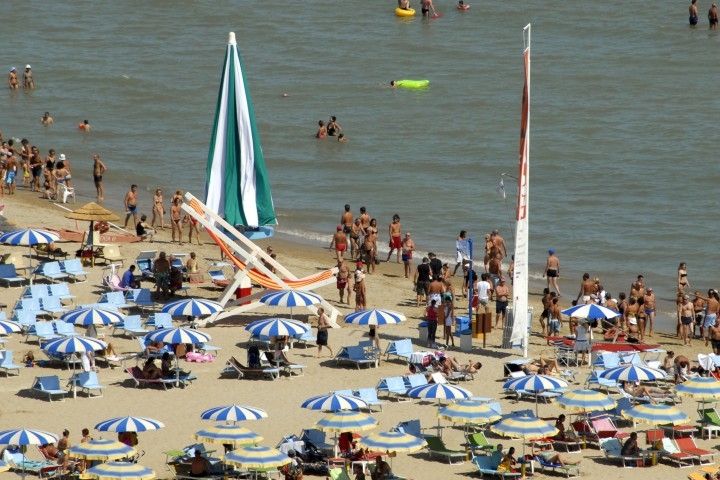 "Back to the beach, Rimini<br /><a href=""https://static.riviera.rimini.it/tl_files/gallerie/orig/back-to-the-beach-vista-aerea-10.jpg.zip"" target=""_blank"" class=""photo-download"">Download high resolution image</a>"