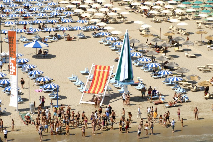 "Back to the beach, Rimini<br /><a href=""https://static.riviera.rimini.it/tl_files/gallerie/orig/back-to-the-beach-vista-aerea-15.jpg.zip"" target=""_blank"" class=""photo-download"">Download high resolution image</a>"