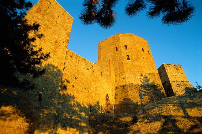 "Malatesta fortress, Montefiore Conca<br /><a href=""https://static.riviera.rimini.it/tl_files/gallerie/orig/castello2.tif.jpg.zip"" target=""_blank"" class=""photo-download"">Download high resolution image</a>"
