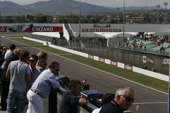 "Moto GP 2007, Misano Adriatico<br /><a href=""https://static.riviera.rimini.it/tl_files/gallerie/orig/circuit-pan04_3101200894233.jpg.zip"" target=""_blank"" class=""photo-download"">Download high resolution image</a>"