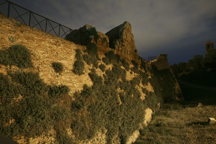 """Ancient city walls, Coriano<br /><a href=""""https://static.riviera.rimini.it/tl_files/gallerie/orig/coriano-03.jpg.zip"""" target=""""_blank"""" class=""""photo-download"""">Download high resolution image</a>"""