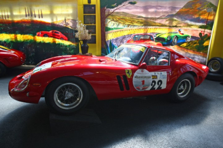"<br /><a href=""https://static.riviera.rimini.it/tl_files/gallerie/orig/ferrari-museum-competition-section-2.jpg.zip"" target=""_blank"" class=""photo-download"">descarga en alta resolución</a>"
