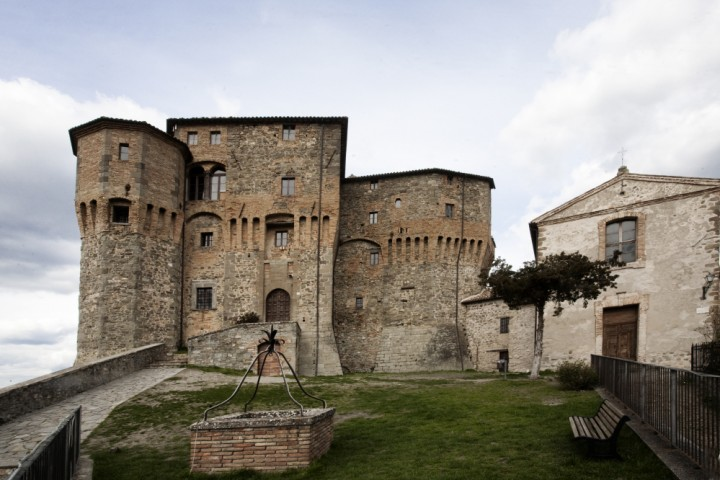 "Sant'Agata Feltria, Rocca Fregoso fortress<br /><a href=""https://static.riviera.rimini.it/tl_files/gallerie/orig/img_0107-rocca-fregoso-2.jpg.zip"" target=""_blank"" class=""photo-download"">Download high resolution image</a>"