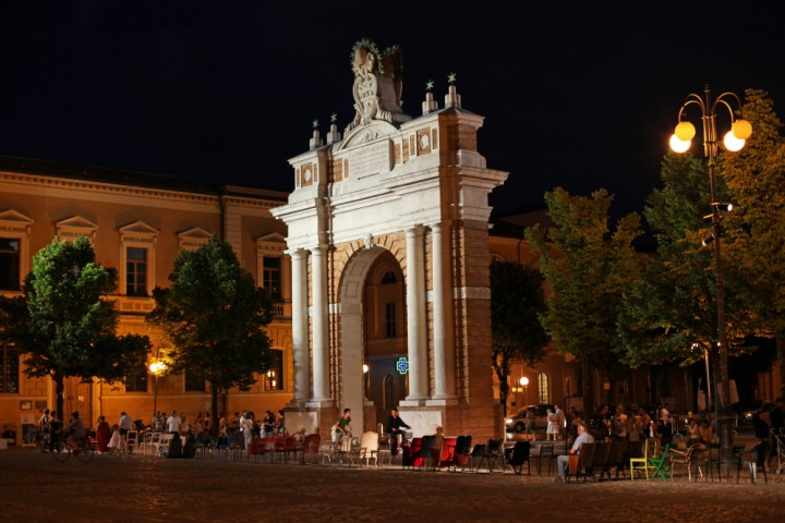 "Arco Ganganelli, Santarcangelo di Romagna<br /><a href=""https://static.riviera.rimini.it/tl_files/gallerie/orig/img_0208asantarcangelo.jpg.zip"" target=""_blank"" class=""photo-download"">Scarica in alta risoluzione</a>"