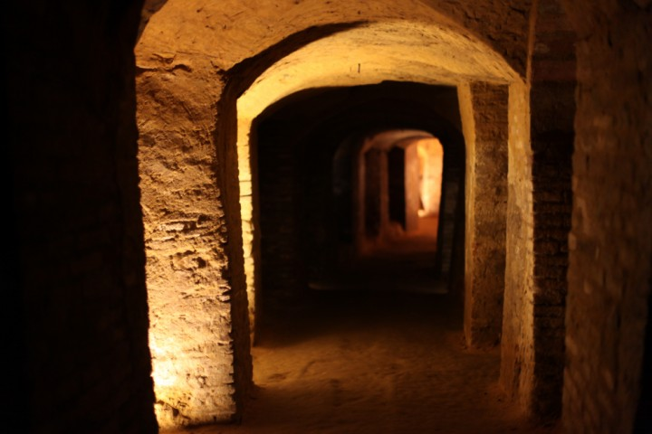 "Grotte tufacee, Santarcangelo di Romagna<br /><a href=""https://static.riviera.rimini.it/tl_files/gallerie/orig/img_0544santarcgrotte.jpg.zip"" target=""_blank"" class=""photo-download"">Scarica in alta risoluzione</a>"