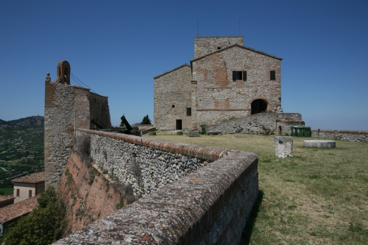 """Malatesta Fortress, Verucchio<br /><a href=""""https://static.riviera.rimini.it/tl_files/gallerie/orig/img_0678verucchio.jpg.zip"""" target=""""_blank"""" class=""""photo-download"""">Download high resolution image</a>"""