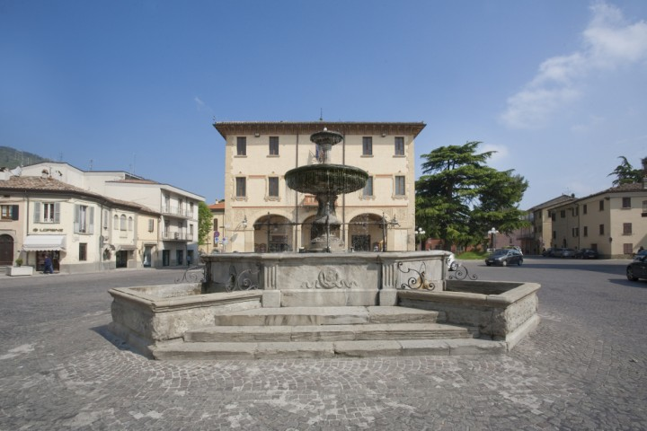 "Novafeltria, town hall<br /><a href=""https://static.riviera.rimini.it/tl_files/gallerie/orig/img_1975-municipio.jpg.zip"" target=""_blank"" class=""photo-download"">Download high resolution image</a>"