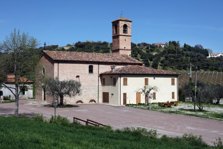 "Sanctuary of Valliano, Montescudo<br /><a href=""https://static.riviera.rimini.it/tl_files/gallerie/orig/img_2625avalliano.jpg.zip"" target=""_blank"" class=""photo-download"">Download high resolution image</a>"